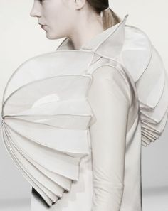 Sculptural Fashion with pleated 3D spherical shape construct - white dress, fashion as art // Gloria Coelho