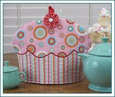 Awww.....cute. @Stephanie Close Close Vercoe, this tea cozy suits you to a TEA!