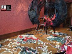 Le foto di Alain Chivilò (con il marchio UT) e quelle ufficiali della Biennale