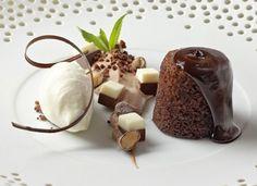 Lisl Wagner-Bacher   Koch des Jahres Pudding, Desserts, Food, Farmhouse, Tailgate Desserts, Deserts, Custard Pudding, Essen, Postres