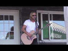 Jon Foreman is one of very few singers/musicians who actually sound amazing live.