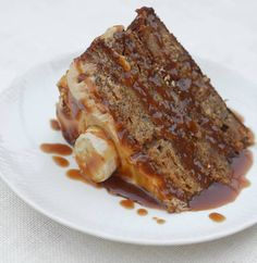 Caramel Banana Cake! Looks so moist, gooey and decadent! Fairly simple to make! Mmmm need a slice asap!