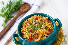 Hrisca cu legume - Arome de poveste Raw Vegan Recipes, Vegetarian Recipes, Cooking Recipes, Healthy Recipes, Cold Vegetable Salads, Quinoa, Bulgur Salad, Romanian Food, Vegan Dishes