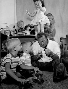 Dan Blocker (Hoss Cartwright) & kids 1960s.  Traces of Texas on FB.  Born in De Kalb in Bowie County northeastern Texas.