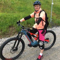 Probefahrt mit dem Specialized Turbo Levo Expert FSR auf dem Monti Trail 😁💦es regnete wie aus Eimern doch es hat soooo ein Bock gemacht… Mtb, Specialized Bikes, Bicycle, Instagram, Bicycles, Bucket, Bike, Bicycle Kick, Mountain Biking