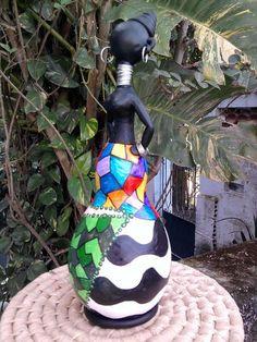 Boneca Africana em Cabaça e biscuit. Favor ler as políticas da loja. R$ 50,00