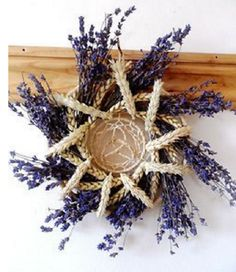 Lovely wreth for your lughnasadh traditions. Lavender and celtic designs elements for your lughnasadh wicca 2017 celebration. Corn Dolly, Deco Nature, Summer Solstice, Arte Floral, Beltane, Book Of Shadows, Yule, Projects To Try, Weaving