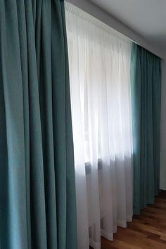 Tkanina, która znakomicie łączy naturalność z elegancją. Gruby splot tkaniny, subtelny połysk oraz modna kolorystyka bardzo dobrze się prezentują. #salon #zasłony #tkanina #tkaninydekoracyjne #cosmonova #turkus #dekoracjeokienne #dekoracjetekstylne #aranżacja #szycie #szycienamiare #projekt #okna #wnetrza #projektowaniewnetrz #projektowanie #livingroom #curtains #curtaindesign #decoration #fabric #home #homedecor #homedesign #design #turquoise