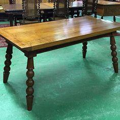 Little farm table in blond oak #auvieuxchaudron#antiques#antiquites#vintage#galery#deco#homedecoration#decoration#frenchart#vintagehome#labrocante#curiosities#interiör#decoração#europeantiques#chic#oldfurniture#art#artantiques#art#instahome#chic#antiquedealersofinstagram#antiquestore#brocantestyle#frenchantiques#antiguidades#wood#paimpol