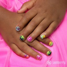 Jamberry Fall 2015 Catalog Halloween Wraps Webs and Monsters Jamberry Juniors Jamberry Juniors, Jamberry Nail Wraps, Halloween Nails, Fall Halloween, Halloween Night, Halloween Ideas, Fall Jams, Kids Manicure, Jamberry Fall