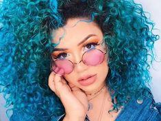 dyed hair everywhere Curly Hair Tips, Short Curly Hair, Teen Hairstyles, Curled Hairstyles, Curly Haircuts, Natural Hair Styles, Natural Hair Tips, Colored Curly Hair, Pelo Natural