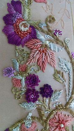 new brazilian embroidery design Zardozi Embroidery, Tambour Embroidery, Hand Work Embroidery, Couture Embroidery, Hand Embroidery Designs, Ribbon Embroidery, Floral Embroidery, Brazilian Embroidery Stitches, Bead Embroidery Patterns