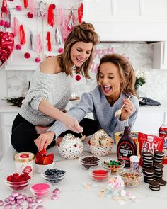 Galentines day party ideas pink and red best friends ice cream 4 Valentines Day Food, Valentines Day Pictures, Valentines Day Decorations, Valentine Crafts, Happy Valentines Day, Valentinstag Party, Valentine's Day Quotes, Galentines Day Ideas, Brighton The Day