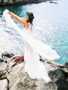 Maui wedding inspiration: http://www.stylemepretty.com/destination-weddings/2014/06/20/maui-wedding-inspiration/ | Photography: http://www.wendylaurel.com/