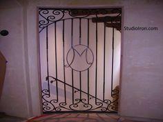 Monogram Gate