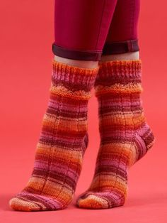 Sizzling Rays Socks - West Yorkshire Spinners Seasons by... Knitting Socks, Hand Knitting, Knitting Patterns, Crochet Patterns, Double Pointed Knitting Needles, Cable Needle, Purl Stitch, West Yorkshire, Needles Sizes