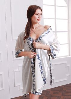 8ba628b4a3 Amazon.com  Olivery Womens Faux Silk Kimono Robe Knee Length Lingerie  Sleepwear Nightgown - White  Clothing