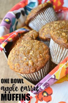 These Easy One Bowl Apple Carrot Muffins are great for breakfast. Full of shredded apples, grated carrots, and oats! These are great to grab and go. Apple Oatmeal Muffins, Oat Muffins, Baking Muffins, Healthy Muffins, Healthy Carrot Muffins, Banana Carrot Muffins, Carrot Smoothie, Cinnamon Oatmeal, Apple Cinnamon