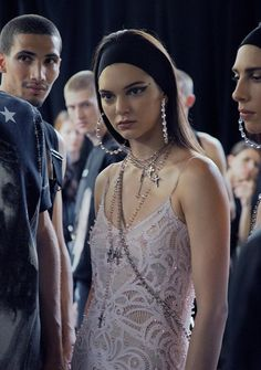 DELICATE CRYSTALS+EXCESSIVE JEWELLERY, NICE COMBINATION TO BE WORKED FOR XMAS(image from Givenchy SS16)