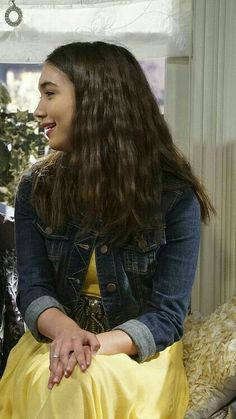 Sister Wallpaper, Best Friend Wallpaper, Couple Wallpaper, Girl Meets World, Maya And Riley, Maya Girl, Friendship Wallpaper, Riley Matthews, Matching Wallpaper