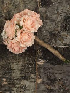 Demoiselle rustique Posy Roses pêche par Lovefromlilywedding