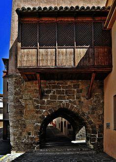 Montalbán, Portal de Daroca (NO HDR) by Jose Luis Mieza Photography, via Flickr