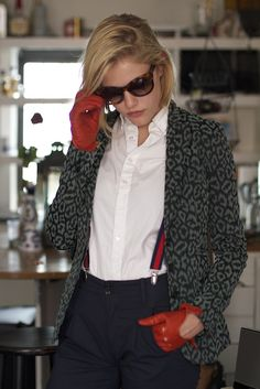 Ashley Smith Model - Interview with Ashley Smith Estilo Boyish, Model Interview, Ashley Smith, Suspenders For Women, Disney Outfits, Fashion Branding, Blazers For Women, Leather Jacket, Leather Gloves
