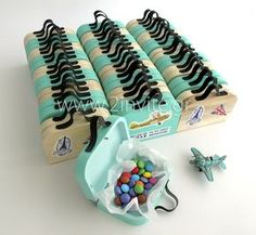 Postal planes are starting for the most congested baptism! Shower Party, Baby Shower Parties, Baby Shower Games, Baby Boy Shower, Diy And Crafts, Crafts For Kids, Baby Dino, Baby Christening, Baby Birth