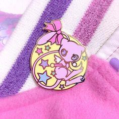 Custom Lapel Pin Brooches Galaxy Venus Planet Theme Banquet Badge Pins Trendy Accessory Jacket T-Shirt Bag Hat Shoe