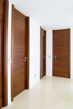 Benefits that you could derive by using the interior wood doors for your home or office. Flush Door Design, Door Design Interior, Main Door Design, Wooden Door Design, Interior Barn Doors, Modern Wooden Doors, Wooden Front Doors, Wood Doors, Slab Doors
