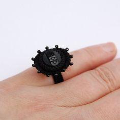 Anello nero in stile vittoriano - ELIN ™