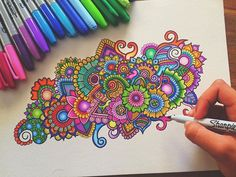 Hey guys! A colourful zentangle doodle! If You want to checkout my video of creating this just have a look at my last post😊❤️ Hope you guys like this! Would love to hear your feedback😘 Thank you guys, have an awesome week! 🍃