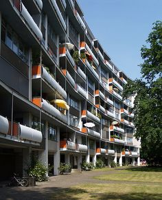 Berlin - Hansaviertel | Walter Gropius | lebendige Fassade
