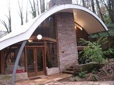 Quonset Hut Homes Design, Great Idea for a Tiny House Arch Building, Metal Building Homes, Building Structure, Building A House, Building Ideas, Quonset Hut Homes, Cabin Homes, Log Homes, Casa Top