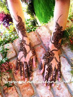 love the henna design