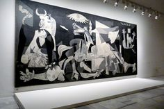 Guernica, the most emblematic Picasso's paint in Reina Sofia's Museum, Madrid Places to Visit Pablo Picasso, Picasso Guernica, Spanish Painters, Spanish Artists, Spanish Dancer, Artist Art, Art Forms, Les Oeuvres, Moose Art
