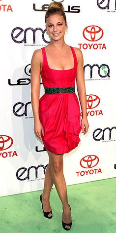 EMILY VANCAMP She might be looking for Revenge on her hit show, but Emily is as sweet as can be in a bright pink ruffled Andrew Gn mini with a waist-accentuating green belt, Sydney Evan hoops and a high bun at the Environmental Media Awards.
