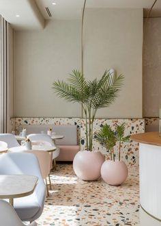 uses Italian terrazzo to create timeless design for new cafe in the Dubai Mall Design Mena Italian Interior Design, Restaurant Interior Design, Commercial Interior Design, Commercial Interiors, Italian Home Decor, Salon Interior Design, Rustic Italian, Gold Interior, Classic Italian