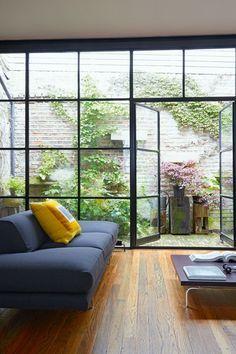 Mews House Roof Shortening - City Garden Ideas (houseandgarden.co.uk)