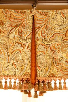 Box Pleated valance with contrasting fabric in pleat and covered button.