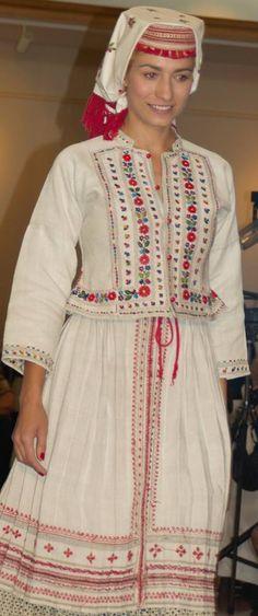 Yavoriv folk costume. Ukrainian Cultural Center - Chicago.