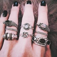 rocknroll rings black nails