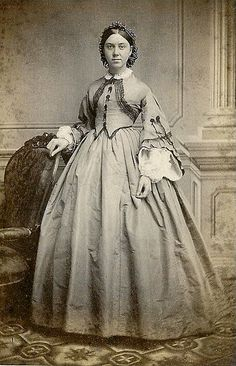 Landofnodstudio's: Free Photo Friday~Women from the Civil War period. Historical Costume, Historical Clothing, Historical Photos, Old West, Vintage Photographs, Vintage Photos, Antique Photos, Old Pictures, Old Photos