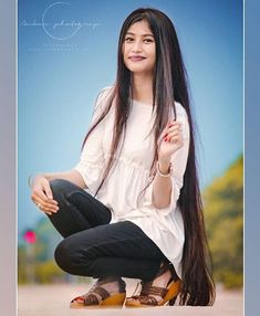 The next Rapunzel for the day is @ush_mana_borah_official Our site is dedicated to the celebration of beautiful long hair. If you have long hair and would like to be featured on our instagram profile and website please send us a DM with your best hair picture. #longhair #rapunzel #cabeloslongos #hairdiva #hairmodel #beautifulhair #hairgoals #instahair Down Hairstyles, Girl Hairstyles, Beautiful Long Hair, Simply Beautiful, Beauty Full Girl, Black Beauty, Glossy Hair, Long Brown Hair, Hair Growth Tips