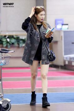 1000 Images About Kpop Idol Airport Fashion On Pinterest Airport Fashion Park Bom And 2ne1