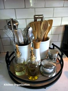 Save valuable kitchen space by organizing the kitchen counter. You just ne … Save valuable kitchen space by organizing the kitchen counter. Easy Home Decor, Cheap Home Decor, Home Decor Ideas, Home Decorations, Christmas Decorations, Decor Crafts, Kitchen Counter Inspiration, Diy Kitchen Ideas, Kitchen Hacks