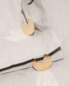 Audrey Corregan - Rose Big Jewelry, Photo Jewelry, Gold Jewelry, Jewellery, Still Life Photographers, French Photographers, Isabel Marant, Foto Still, Galleries In London