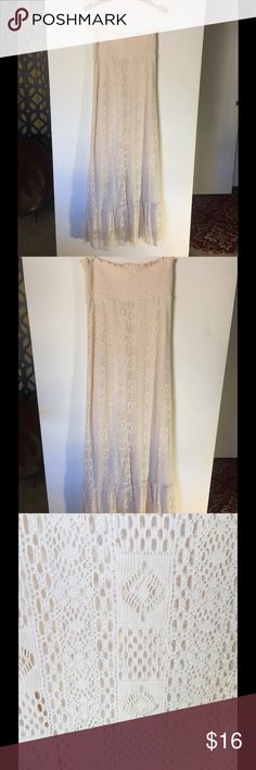 CROCHET MAXI DRESS UNWORN Breathable and beautiful crochet maxi dress! Dresses Maxi