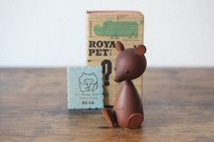 Collectors Mid-Century modern Bear from the Royal Pet Line by Senshukai rare collectible animal from the 1960s Vintage Iron, Vintage Tins, Vintage Dishes, Vintage Decor, Etsy Vintage, Vintage Shops, Vintage Candles, Vintage Storage, Retro Home Decor
