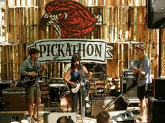 Portland architecture students build incredible outdoor Pickathon Music Festival stage from 520 recycled pallets